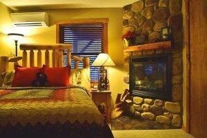 Canyon Room
